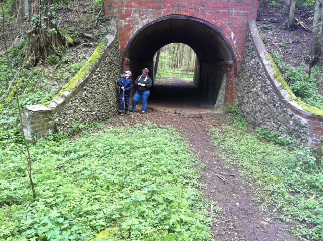 Sam and Shar locate the cache in the tunnel under the main road on Hockeridge Bottom