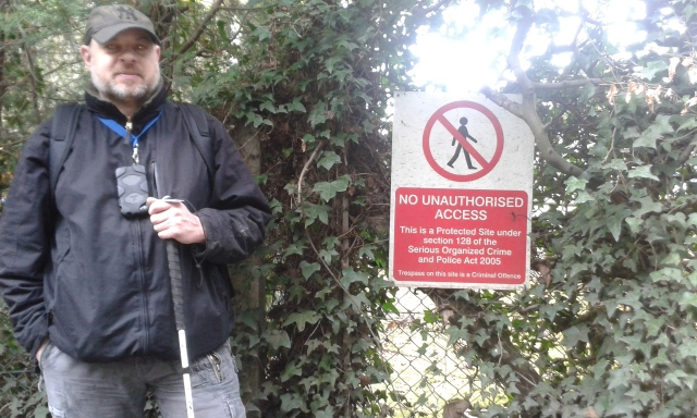 2016-04-21 Misborne Valley Paul standing next to weird keep out sign